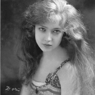 Ziegfeld Follies girl Doris Eaton Travis