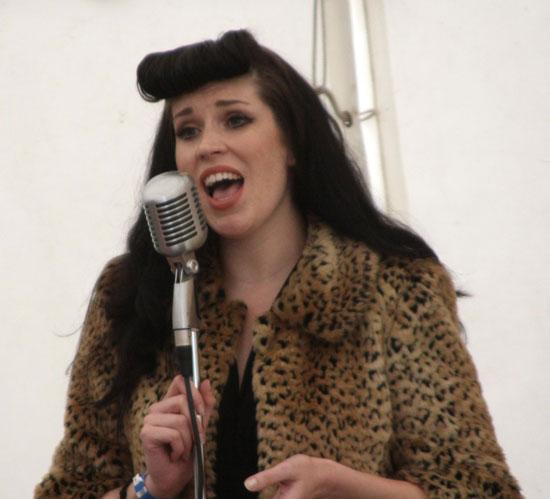 Vintage singer Noelle Vaughn at Brooklands