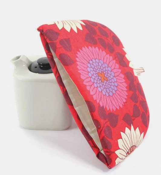 1960s Red Floral Tea Cosy