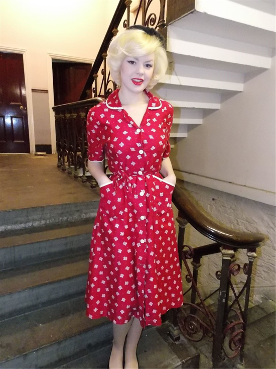 Vintage 1940s day dress in red and white