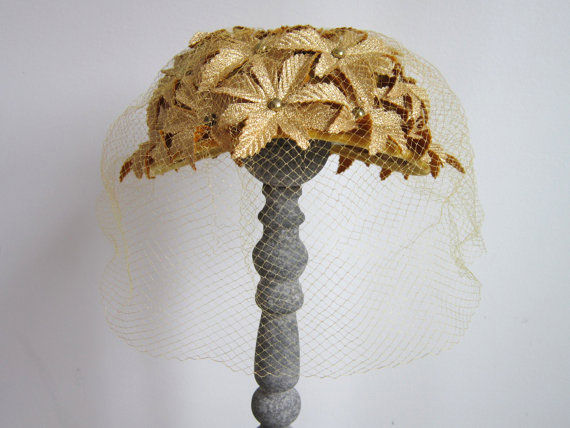 Vintage 1950s Gold Fascinator Hat