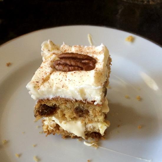Saturday Baking: Deluxe Carrot Cake Traybake