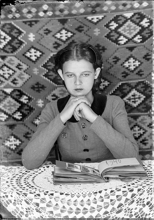 1940s photo portrait by Costică Acsinte