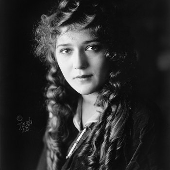 10 Things You Didn't Know About Mary Pickford