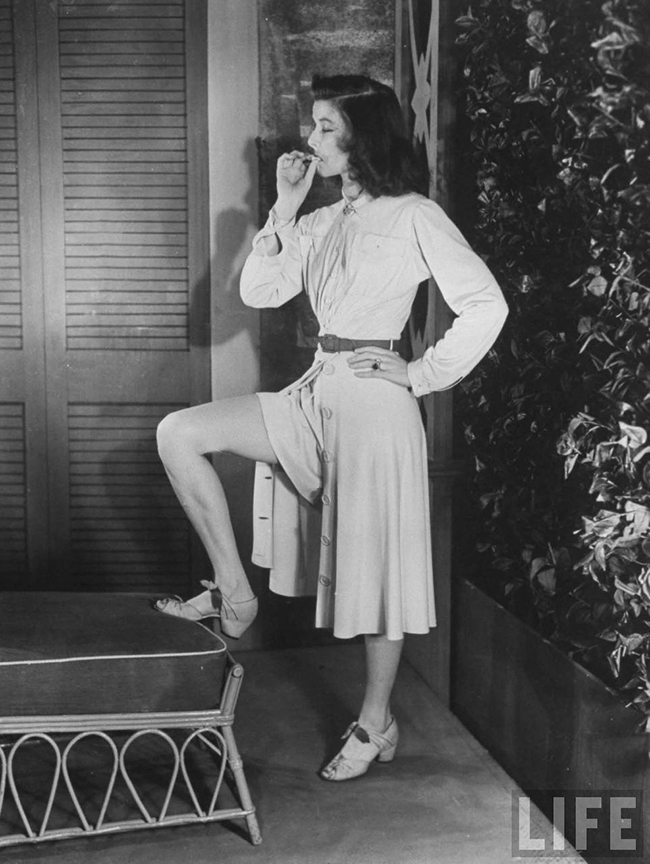 Katharine Hepburn's Costumes in The Philadelphia Story