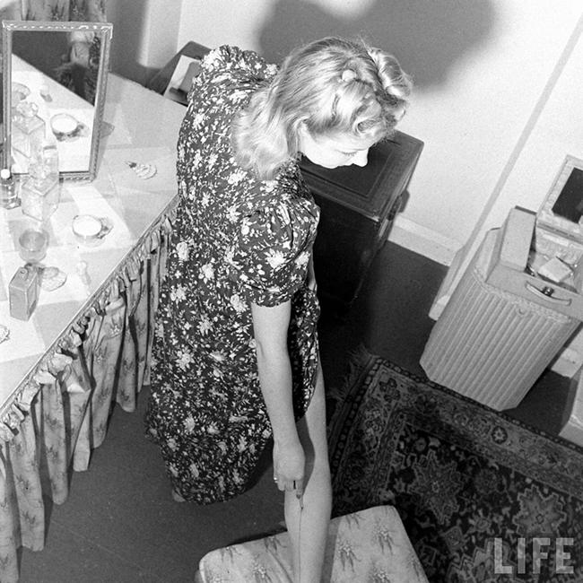 Liquid Stockings WW2 fashion
