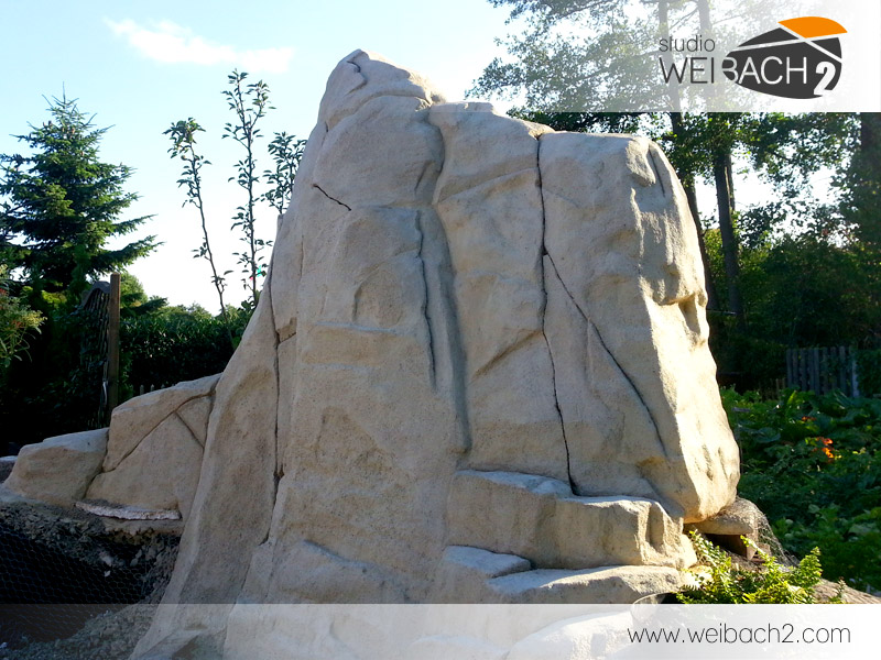 WEIBACH2 / Der fertige Beton-Fels / the finished concrete rock