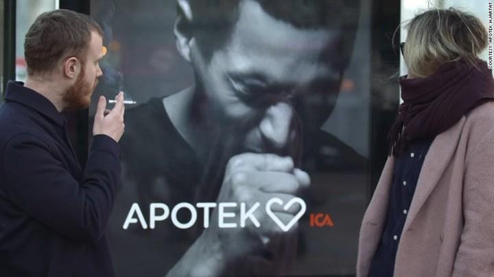 170113094950-coughing-smoking-poster-780x439