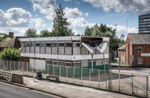 alex-chinneck-ashford-kent-open-public-installations-3-1499x985