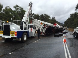 25t Franna - recovery of truck rollover