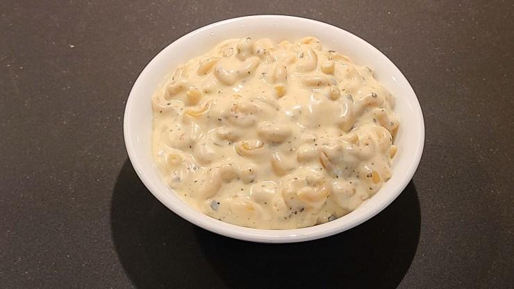 white cheddar pesto mac n' cheese