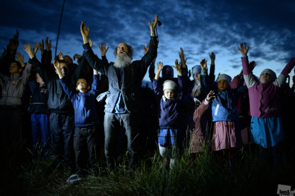 """""""An Evening Prayer."""" Children's Orthodox camp, the camp in honor of the Holy Martyr Clement of Ancyra in the village Poteryaevka, Altai Krai. July 11, 2015. Photo by  Alexandr Kryazhev"""