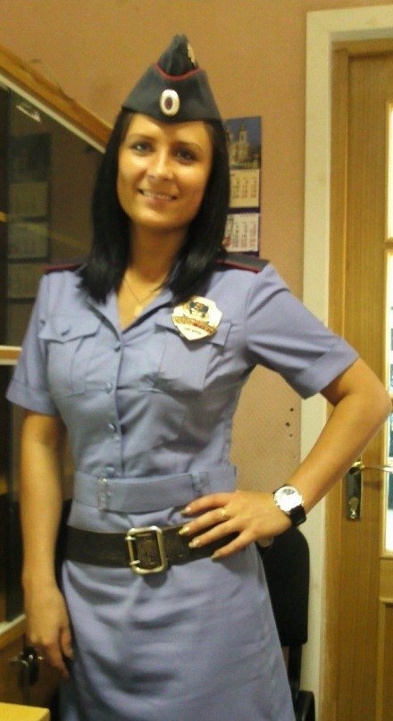 female-cops25