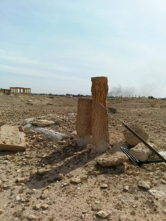 User axmedd is a combat engineer. This photo is from Palmyra.