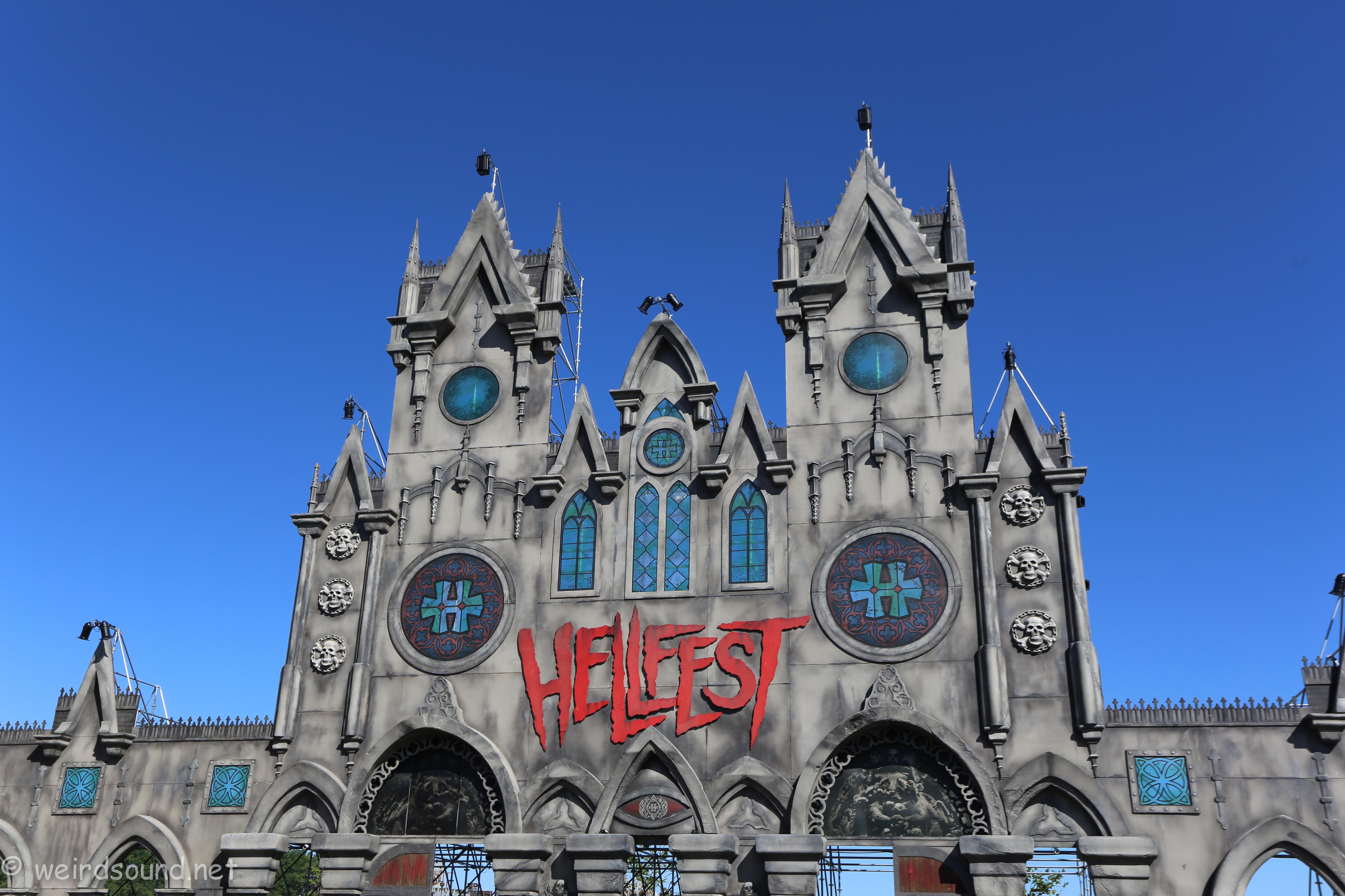 Difficile de faire croire que la photo a été prise à Lourdes...