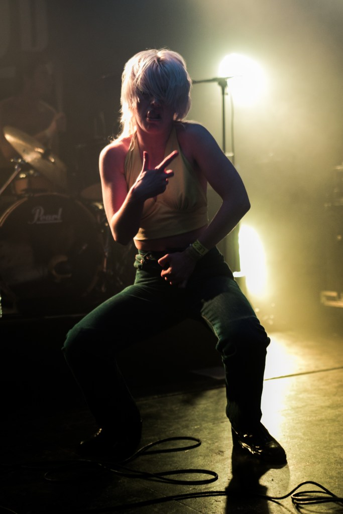 Amyl & The Sniffers (3) - Printemps de Bourges - 22 - Jonathan LESAGE