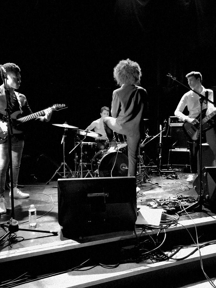 PineApple en concert à Poitiers
