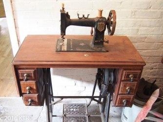 Royal Sewing Maching