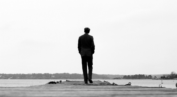 Auf dem Weg zum Erfolg seine Persönlichkeit liegen zu lassen, ist Misserfolg höchstpersönlich. - Esragül Schönast