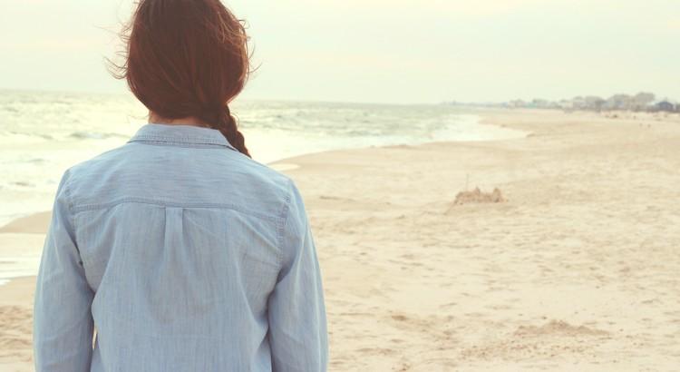 Bewahre mich vor dem naiven Glauben, es müsse im Leben alles glatt gehen. Schenke mir die nüchterne Erkenntnis, dass Schwierigkeiten, Niederlagen, Misserfolge, Rückschläge eine selbstverständliche Zugabe zum Leben sind, durch die wir wachsen und reifen. - Zitat von Antoine de Saint-Exupéry