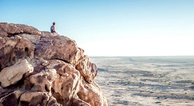 Fordere viel von Dir selbst und erwarte wenig von anderen. So wird Dir viel Ärger erspart bleiben. - Konfuzius