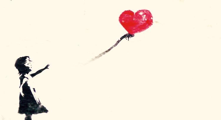 """Ich habe mein Herz aufgeräumt, darin fand ich Dinge, die ich schon fast vergessen hatte, viele Verletzungen, einige Schwächen, schlechte Zeiten, Mutlosigkeit, Vertrauensbrüche, Einsamkeit, Tränen, Leid, Hoffnungslosigkeit, Mutlosigkeit, von geliebten Menschen, keine Antwort auf das """"WARUM"""" und noch so einiges mehr, erst wollte ich all diese Dinge entsorgen, aber dann beschloss ich, diese Dinge aufzubewahren, um in schweren Zeiten, mich an all diese Dinge zu erinnern, dass ich nie an ihnen zerbrochen bin sondern nur noch stärker."""