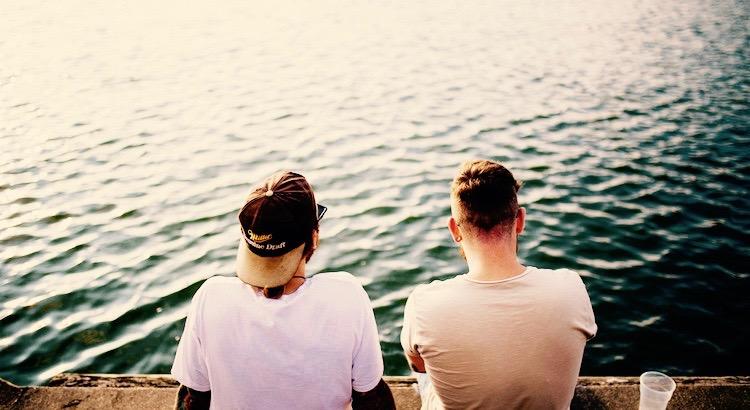 Dank der schlechten Freunde erkennt man, welche die guten sind. Auch im Schlechten birgt sich also Gutes.