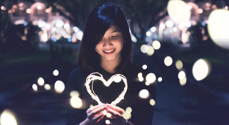 Mit viel Geduld und viel Liebe gibt es nichts, was man nicht in den Griff bekäme. - Esragül Schönast