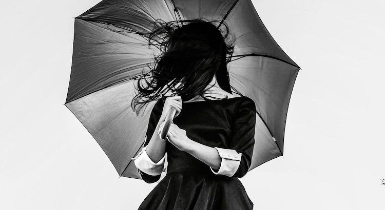 Nicht alle Stürme kommen um dein Leben zu erschüttern. Manche kommen um deinen Weg freizumachen. - Unbekannt