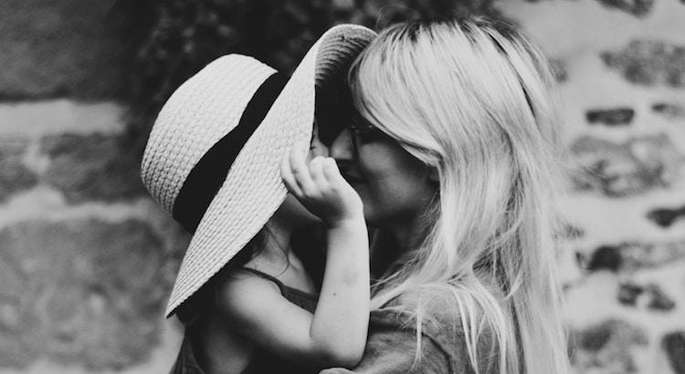 Muttersein ist eine Liebesgeschichte, die niemals endet. - Unbekannt
