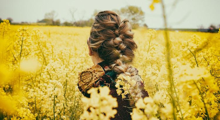 Der Glaube daran, dass alles zu seiner Rechten Zeit geschehen wird, verleiht einem ein befreiendes Gefühl. - Esragül Schönast