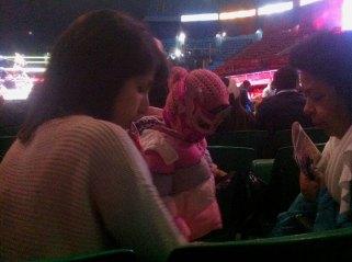 Ein Spaß für die ganze Familie! Wahlweise gibt es die Masken dann auch in ganz klein und ganz Pink ;-)