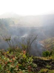 Rechts erkennt man schön den Fluss den die Lava letzte Woche hinterlassen hat