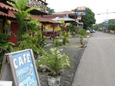 Die Hauptstraße von Cahuita
