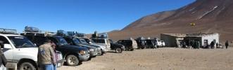 Trotz der vielen wartenden Jeeps geht es hier recht fix im Vergleich zur chilenischen Einreise