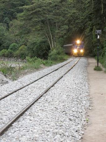 Der Zug fährt hier glücklicherweise nicht schneller als Schrittgeschwindigkeit