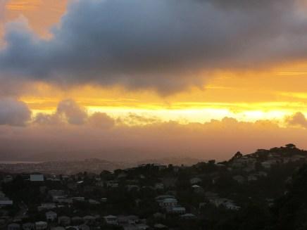 Sonnenaufgang über Wellington