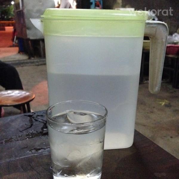 น้ำเปล่าฟรี