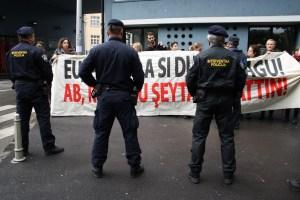 Prosvjeda akcija Inicijative Dobrodosli i CROSOL-a (3)