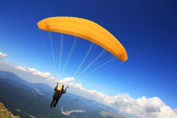 На горнолыжном курорте Вогель Словения можно заняться парапланеризмом