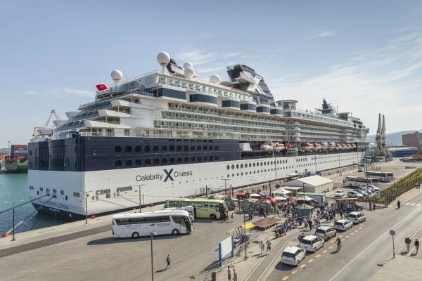 Круизный лайнер в порту Копер Словения