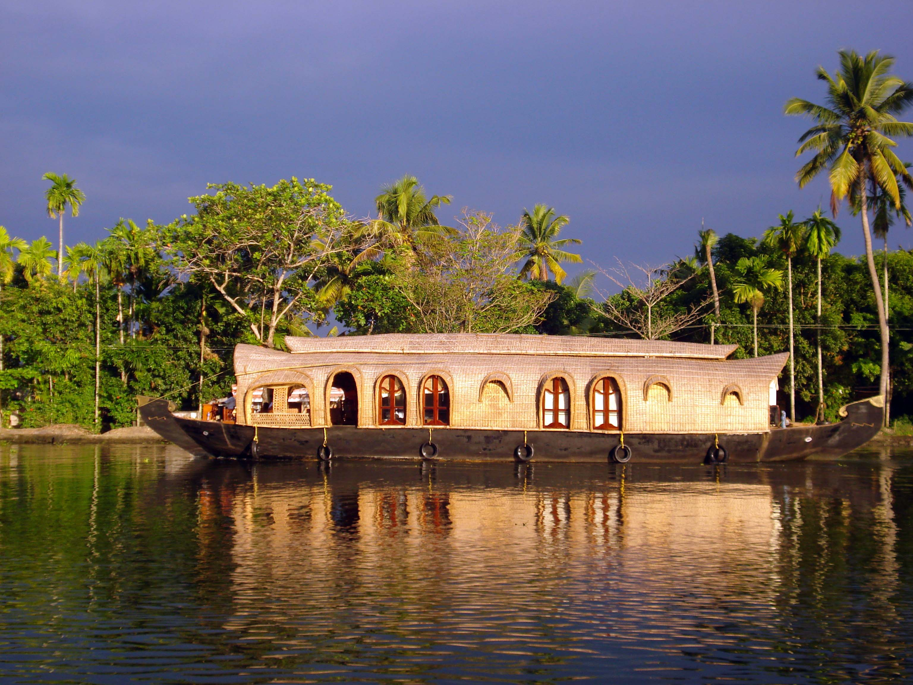 Alleppey Honeymoon Place In India