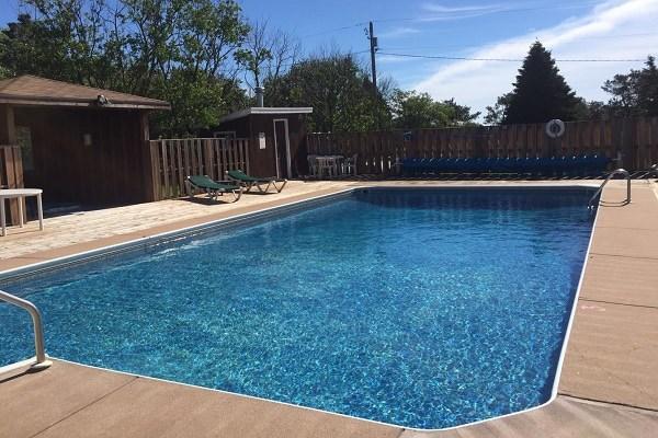 Cavendish Country Inn Pool
