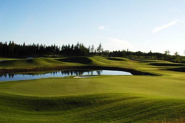 Golf Escape at the Maples