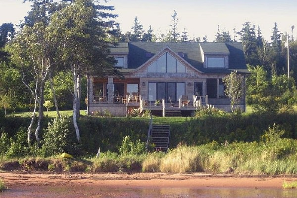 Howe Bay Beach Houses