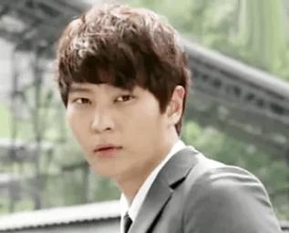 JooWon as Shi-On