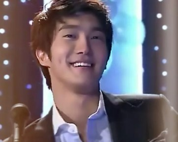 Choi SiWon as Topstar Min-Woo