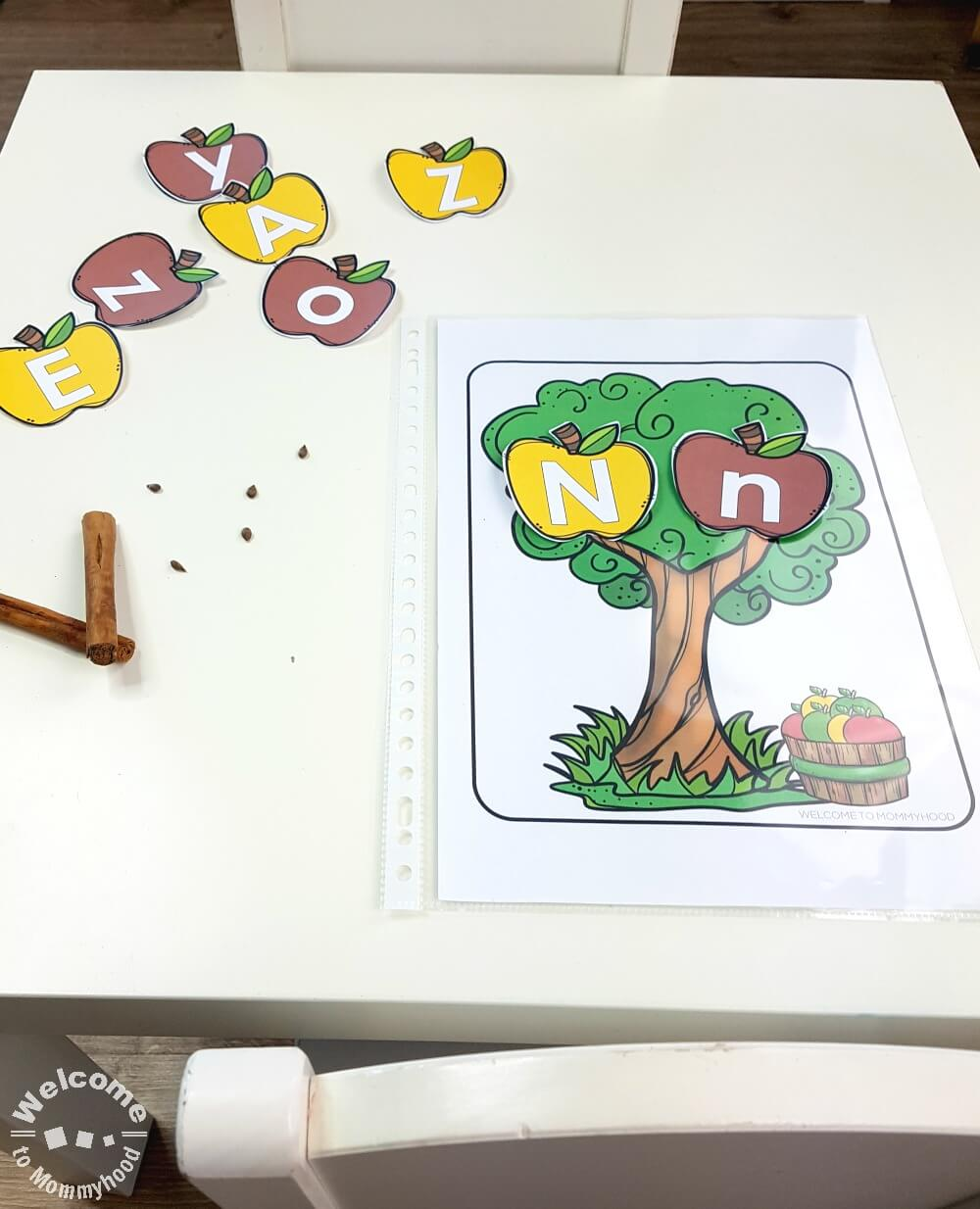 You can use these printables to create hands-on, engaging apple activities for preschoolers. Your students will love practicing letters and phonics! #montessori #appleactivitiesforpreschoolers #preschoolactivities #appleactivities