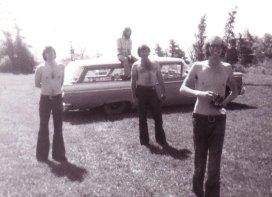 L-R Cliff Reid, Larry Reid (on the roof), John Lepine, Terry Maxwell