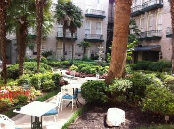 Menger Hotel garden courtyard. Isn't it beautiful?